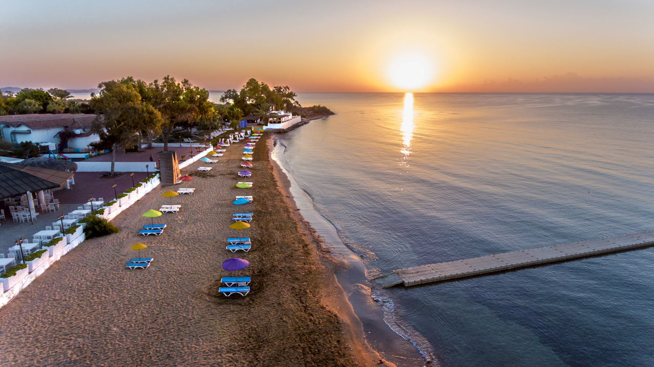 Merit Cyprus Garden Hotel budapesti indulás - 8 nap   7 éj  b40872f52b
