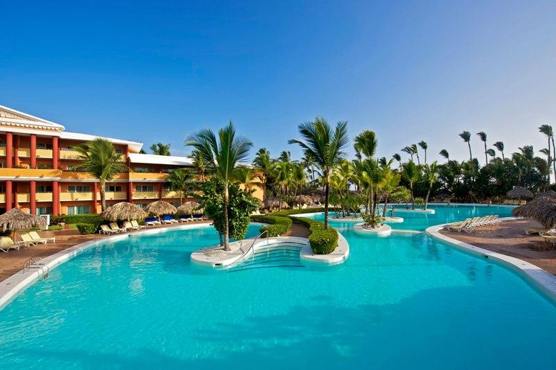http://cdn.budavartours.hu/binaries/content/gallery/budavar/locations/accomodations/Dominikai+K%C3%B6zt%C3%A1rsas%C3%A1g/Punta+Cana/Iberostar+Dominicana+Hotel/ib-dominicana-16.jpg