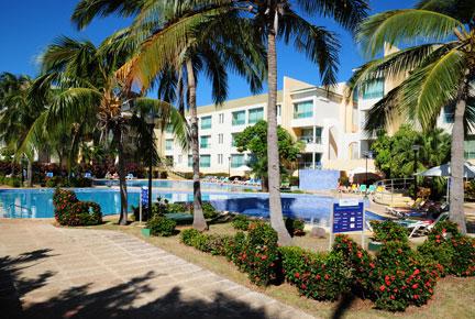 http://cdn.budavartours.hu/binaries/content/gallery/budavar/locations/accomodations/Kuba/Varadero/aguas-azules-hotel-3-csillag/aguasazules.jpg