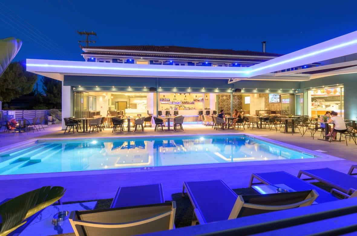 Görögország 2021 BUD - Zakynthos - Albatros Hotel  Apartments