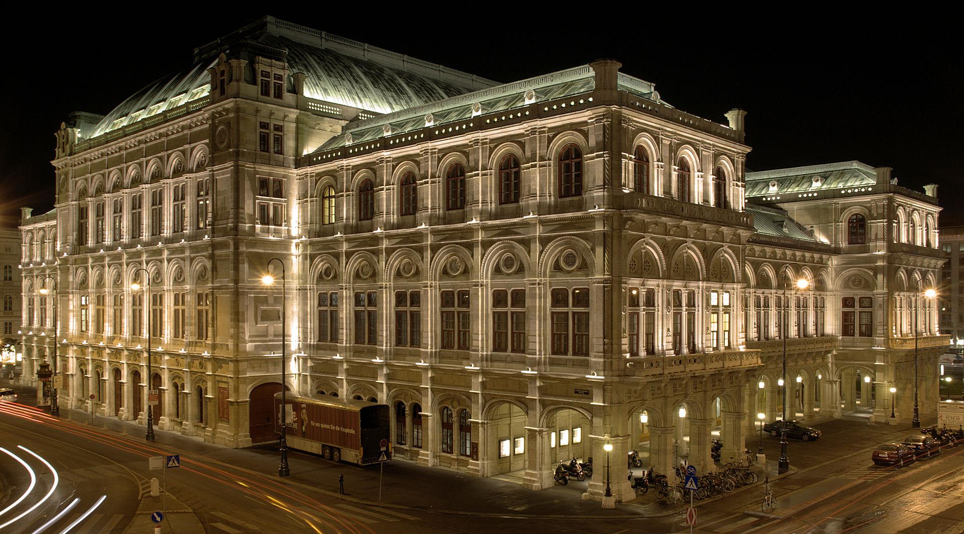 Ausztria 2020 -  Látogatás az Operaházban és a Hof - Bécs, Szállás nélkül