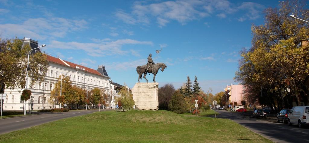 Magyarország 2021 - Makó, mely nem csak a hagymáró - Makó, autóbusszal